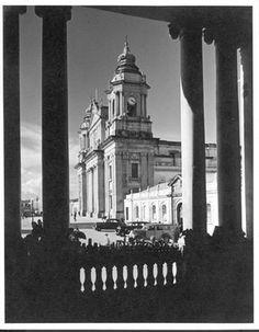POR SERGIO CRUZ, FOTO REX. La Catedral Metropolitana, el edificio mas significativo de la ciudad de Guatemala es una de las piezas arqui...