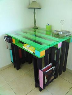 Pallet desk-for school room, love the fact that you can custom paint it and love the clear top. Great Look.