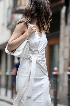 The little white knot dress you need in your wardrobe this summer by Lavish Alice, feat. Salvatore Ferragamo, Céline and Jil Sander on fake leather blog.