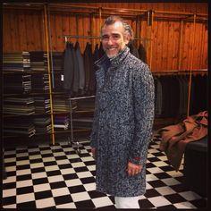 Mature Fashion, Men's Fashion, Mature Style, Casual Man, Italian Street, Role Models, Showroom, Inspirational, Street Style