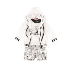 Monochrome can be fun for kids too! Snoop around in this adorable Fay Junior outfit. #kids21 #kidsfashion #boysfashion #fayjunior #peanuts #charliebrown
