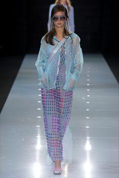 Sfilata Emporio Armani Londra - Collezioni Primavera Estate 2018 - Vogue