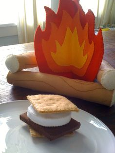 Campfire and S'mores Felt Playset. $25.00, via Etsy.
