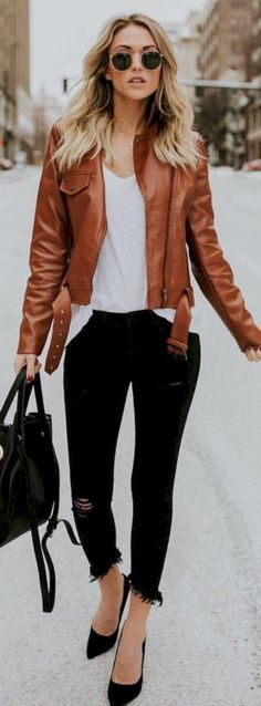 Awesome 32 Best Leather Jacket for Cute Ladies http://inspinre.com/2018/04/22/32-best-leather-jacket-for-cute-ladies/