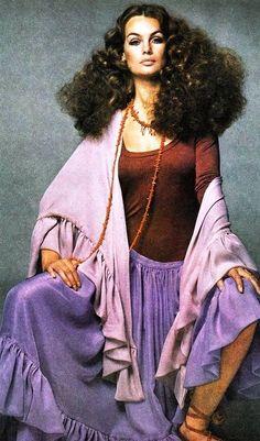 Jean Shrimpton Vogue 1969 #bymariestore #purple #vintage #vogue #photography #fashion #colorful #artconcept