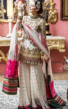 Pakistani Fashion Party Wear, Pakistani Wedding Outfits, Indian Fashion Dresses, Dress Indian Style, Indian Designer Outfits, Indian Outfits, Pakistani Bridal Wear, Indian Clothes, Fancy Dress Design