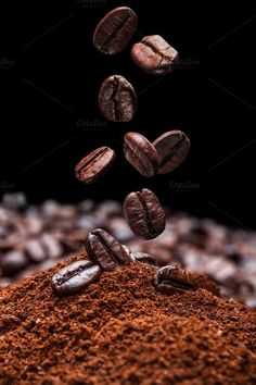 I Love Coffee - Discover the Benefits of Coffee - wallpaper - coffee Recipes I Love Coffee, Coffee Break, My Coffee, Coffee Plant, Brown Coffee, Morning Coffee, Coffee Cafe, Coffee Drinks, Coffee Shop