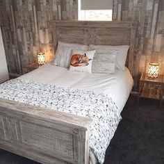 The Austen bed frame was a perfect match for @firsthomestory 's cosy bedroom. Made from reclaimed wood with a white wash finish it gives a beautiful rustic touch to create a cosy log cabin style retreat.