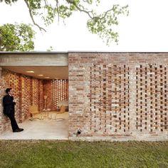 Imagen 4 de 18 de la galería de Remisenpavillon / Wirth Architekten. Fotografía de Christian Burmester