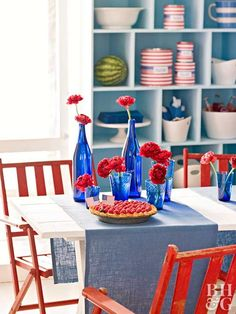 Decorate your home in the spirit of Independence Day with our red, white, and blue 4th of July decorations. These easy decorations cover every July 4th theme you can think of—including flags and fireworks—and they're cute to boot. #fourthofjuly #fourthofjulyideas #fourthofjulyparty #bhg 4th Of July Cake, 4th Of July Desserts, Fourth Of July Food, 4th Of July Party, July 4th, Patriotic Table Decorations, Easy Decorations, Holiday Decorations, Holiday Ideas