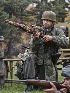 German paratrooper - Fallschirmjäger Sniper