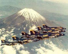"US Navy ""Blue Angels"" McDonnell-Douglas Phantom II formation Us Military Aircraft, Navy Aircraft, Military Jets, Air Fighter, Fighter Jets, Us Navy Blue Angels, Blue Angels Air Show, F4 Phantom, Phantom Power"