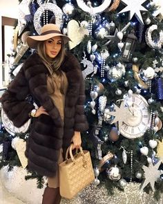 Olesya Malinskaya - perfect as always. Sable coat, Dior bag