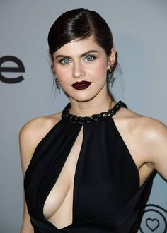 Most Hottest Actresses in Hollywood Alexandra Daddario Beautiful Celebrities, Beautiful Actresses, Beautiful Women, Beautiful Eyes, Hollywood Celebrities, Hollywood Actresses, Alexandra Daddario Images, Celebs, Female