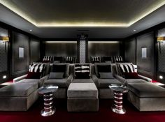 Home Theater Design is one of the most thing nowadays. We always looking for Home Theater ideas. Home Teater room design is the best choice. Home Cinema Room, Home Theater Rooms, Home Theater Seating, Home Theater Design, Best Home Theater, At Home Movie Theater, Sala Grande, Architecture Awards, Ski Chalet
