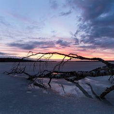 Through the ice by Antz0