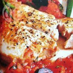 Filetes de atún en salsa tomate