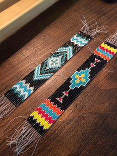 How to Use a Bead Loom: 10 Tips for Beading on a Loom Native Beading Patterns, Native Beadwork, Seed Bead Patterns, Bead Loom Designs, Beadwork Designs, Beaded Hat Bands, Beaded Belts, Seed Bead Crafts, Loom Bracelet Patterns
