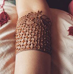 best mehndi design simple and easy step by step are available here. You can save the beautiful mehndi designs, latest mehndi designs. Henna Art Designs, Modern Mehndi Designs, Beautiful Henna Designs, Mehndi Designs For Hands, Beautiful Mehndi, Latest Bridal Mehndi Designs, Wedding Mehndi Designs, Dulhan Mehndi Designs, Mehendi