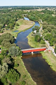 Covered Kissing Bridge Over The Grand River Travel Around The World, Around The Worlds, Waterloo Ontario, Old Bridges, Quebec City, Covered Bridges, Canada Travel, Oh The Places You'll Go, Michigan