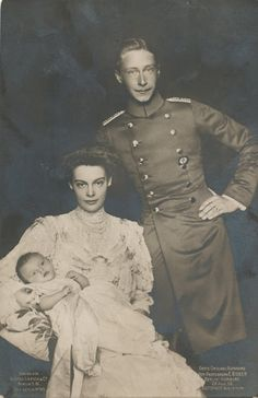 Crown Prince Friedrich Wilhelm and Crown Princess Cecilie with their 1st child, Prince Wilhelm.  (Yep, another Wilhelm!)