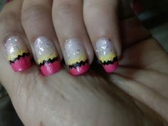 Sparkling nails .. vry easy to make