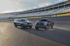 Todas las nuevas #Tundra contaran con el conjunto de sistema activo de seguridad #Toyota Safety Sense que incluye en sistema de frenado automático con detección de peatones! http://www.univision.com/noticias/toyota/toyota-llega-al-auto-show-de-chicago-2017-a-bordo-de-versiones-trd-sport-de-su-pickup-tundra-y-su-suv-sequoia
