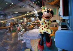Disney laying off 700 from interactive unit    http://globenews.co.nz/?p=10904