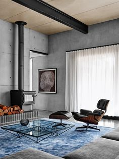 Flack Studio is responsible for this stunning home that has some nice features. The first thing I noticed were the walls. I thought they were concrete but
