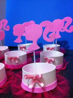 Centro De Mesa Barbie - R$ 3,99 no MercadoLivre Barbie Theme Party, Barbie Birthday Party, 7th Birthday, Party Themes, Birthday Parties, Barbie E Ken, Bday Girl, Diy And Crafts, Ballerina