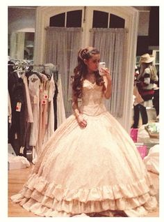 #lulus #holidaywear #dreamdress Ariana Grande's dress in her music video for right there is absolutely STUNNING! NEED!!!