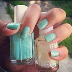 essie - turquoise & caicos   and   essie luxeffects -  shine of the times
