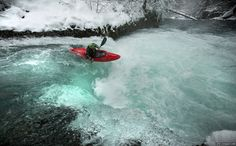 extreme sports photography - Incredible moment kayaker passes through an icy wat. - extreme sports photography – Incredible moment kayaker passes through an icy waterfall – Caters - Water Sports, Sports Extrêmes, Whitewater Kayaking, Cycling Art, Sport Photography, Wakeboarding, Extreme Sports, Snowboarding, Illustration