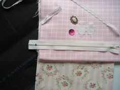 trousse_ml__1_ Creations, Gift Wrapping, Gifts, Diy, Makeup Holder, Dressmaking, Couture Facile, Couture Sac, Toilets