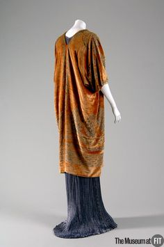 Another stunning costume from #Fortuny, in marvellous rust-browns, greens, reds and blues...fabulous.