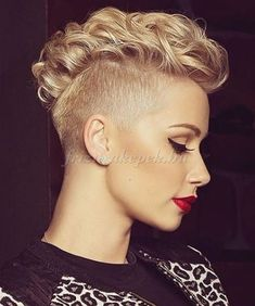 25 Curly Mohawk Styles for Women Short Curly Hair, Wavy Hair, Short Hair Cuts, Curly Hair Styles, Natural Hair Styles, Mohawk Styles, Pixie Styles, Haircut Styles, Pixie Cuts