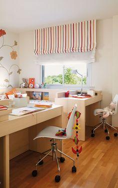 Integrar cama y escritorio  Los muebles a medida aprovechan cada milímetro. Esta habitación infantil se ha equipado con un mobiliario a medi...