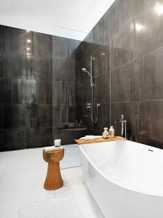 Paul Raff Studio Architects Creates a Phenomenal Sensory Experience for a Home in Toronto