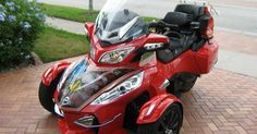 RT 2013 can am motorcycle spyder rt se 5 3800 miles warranty many custom add ons