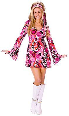 une petit robe rose disco et psyché pour apporter une touche de fraîcheur en soirée !