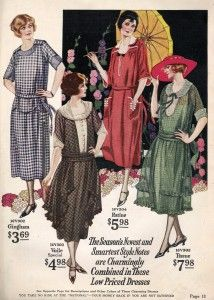 House dresses with fuller hips --- 1920s Robe de Style: The Anti Flapper Dress