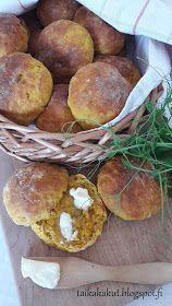 Rahka-porkkanasämpylät (18kpl) Bread Recipes, Cooking Recipes, Bun In The Oven, Good Food, Yummy Food, Sweet And Salty, Healthy Snacks, Food Porn, Food And Drink