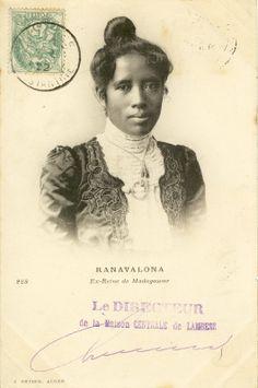 Ranavalona, ex-reine de Madagascar, en Algérie (cachet de 1902)