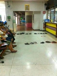 Now, dont tell me that welfare recipients aren't innovative!  No reason to stand on your feet waiting to get your check. Just put your flip-flops next in line and go back and sit on your ass and play games on your government-paid-for iPhone.  Is this a great country, or what?
