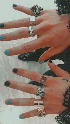 ♡'𝐬 𝐡𝐚𝐫𝐫𝐲 – Jennifer Space Louis Tomlinson, Harry Styles Pictures, Harry Styles Style, Harry Styles Drawing, Harry Styles Tattoos, Harry 1d, Mr Style, Harry Edward Styles, Liam Payne