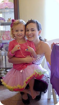 Really cute Fancy Nancy party. Great DIY ideas without going extravagant