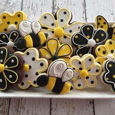 Bee Cookies, Fancy Cookies, Flower Cookies, Cut Out Cookies, Easter Cookies, Birthday Cookies, Royal Icing Cookies, Cupcake Cookies, Christmas Cookies