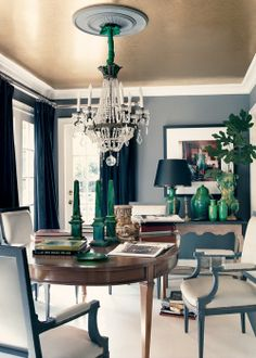 Navy room with champagne silver ceiling! interior inspiration