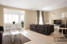 200m2 apartment for 10 guests in the very heart of #Barcelona. #GowithOhApartments