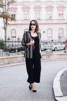 Streifenblazer – 7 Ways to Wear Stripes My Mirror, Business Outfit, Office, Moment, Fashion Bloggers, Super, Work Wear, Stripes, How To Wear